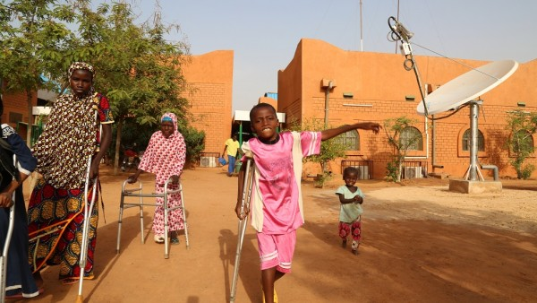 How satellite helps power quality health care in Niger