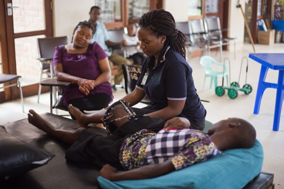 Shout out to our amazing physiotherapists here at CURE Malawi, including Ndapile, who was helping Thom do some exercises!
