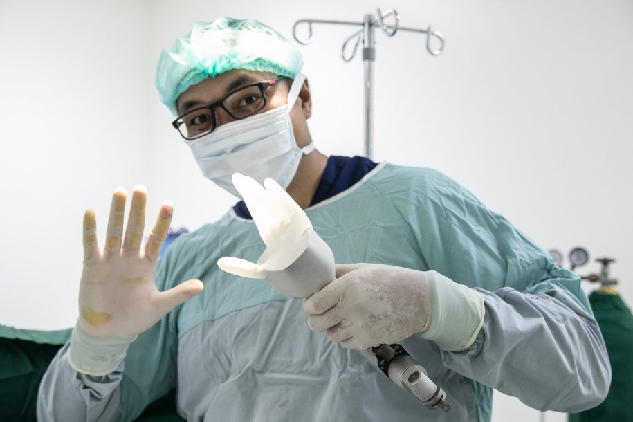 Sometimes Dr. Jun needs an extra hand in the operating room!