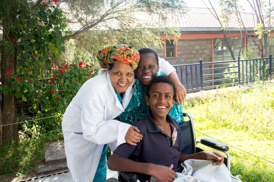 Love and happiness!! Astede, one of our OR nurses, was passing by and she stopped to have a picture with these two troublemakers: Ahmed and Daniel!